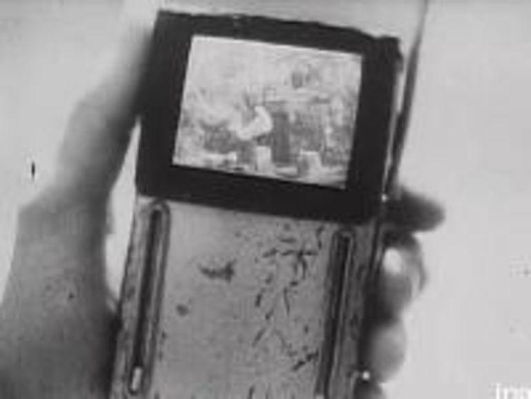 Vidéo : smartphones, TV 3D, internet mobile vu de 1947