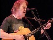 Neil Young veut enterrer le MP3