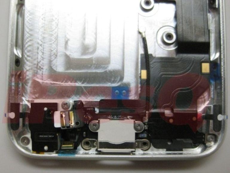 Les pièces supposées de l'iPhone 5 s'emboîtent parfaitement