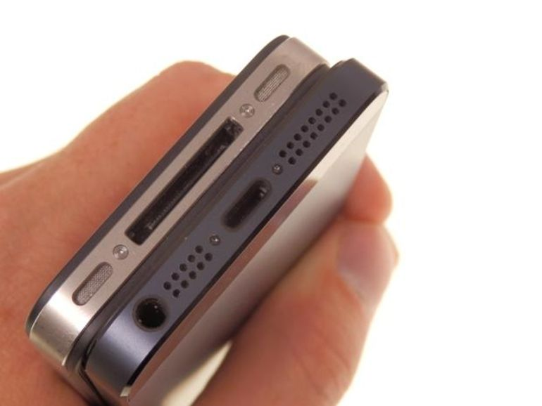 iPhone 5 : adaptateur, câble, Lightning, que le casse-tête commence !
