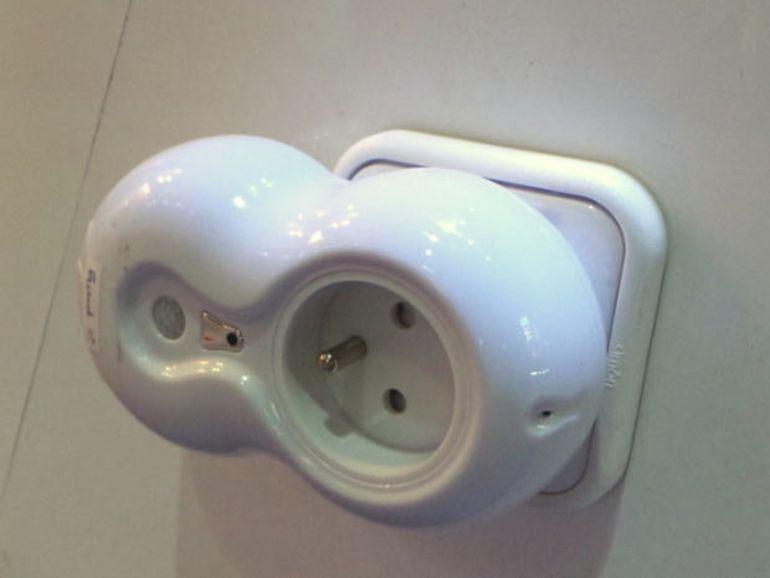 MWC 2013 : BeeWi Mobot, la prise électrique intelligente