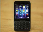 Le BlackBerry Q5 disponible en France