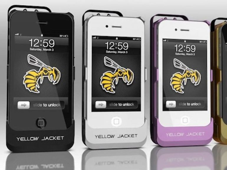CES 2014 : Yellow Jacket, une coque pour transformer l'iPhone en Taser