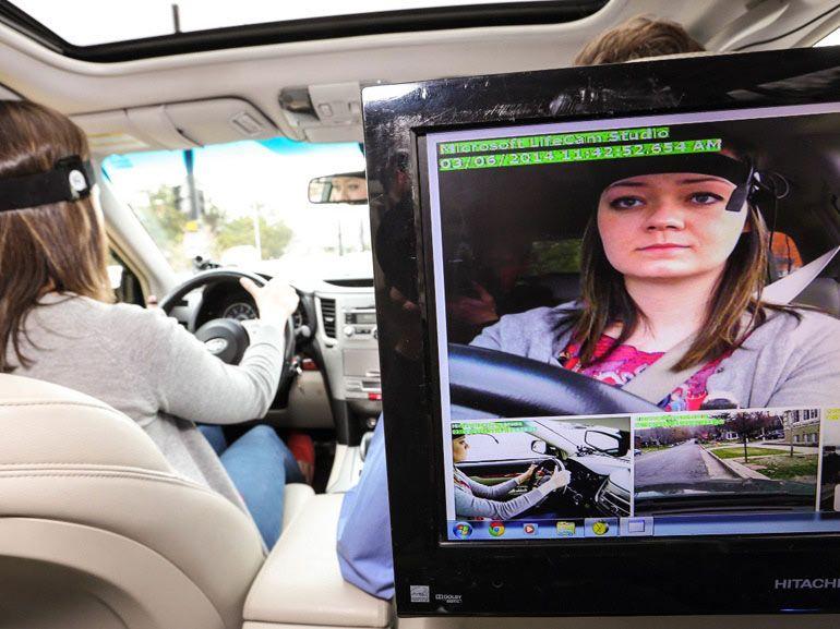 Siri serait trop distrayant en voiture