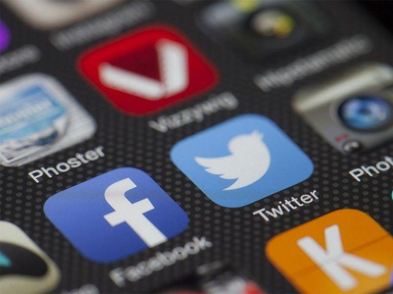 """Twitter : les """"DM"""" groupés et un lecteur vidéo intégré en approche"""