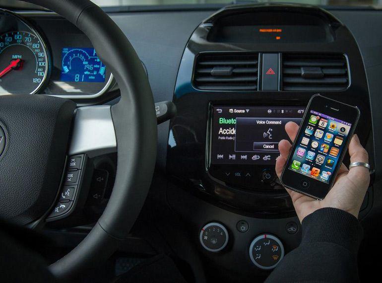 Danger de Siri au volant : la réponse d'Apple