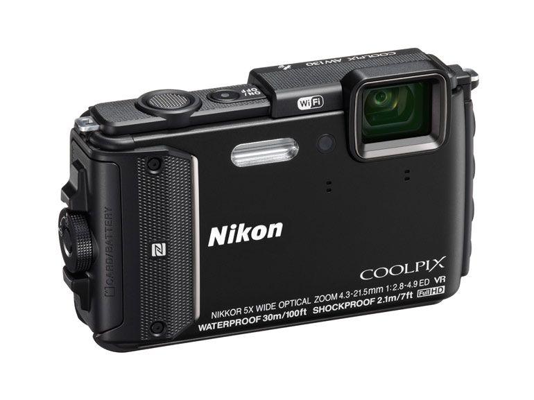 Nikon AW130 : l'appareil photo tout-terrain gagne le Wi-Fi et 12 mètres