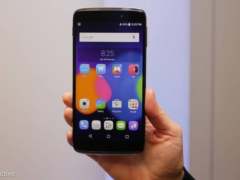 MWC 2015 : Alcatel OneTouch dévoile son smartphone réversible avec l'IDOL 3