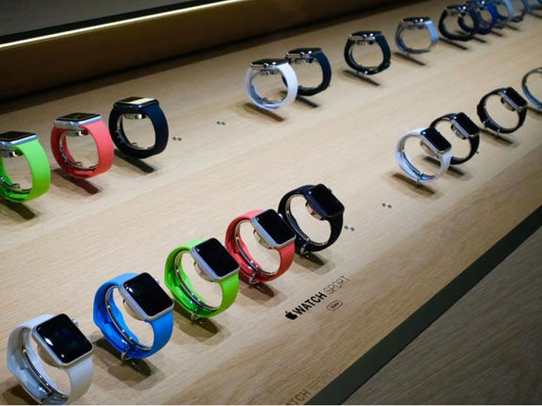 Apple Store : la manipulation de l'Apple Watch possible seulement 15 minutes