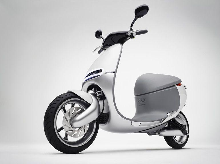 Première sortie du scooter électrique et connecté Gogoro