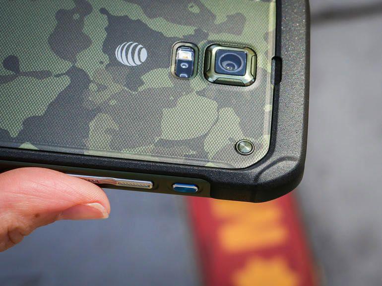 """Le Samsung Galaxy S6 """"Active"""" apparaît sur un document officiel"""