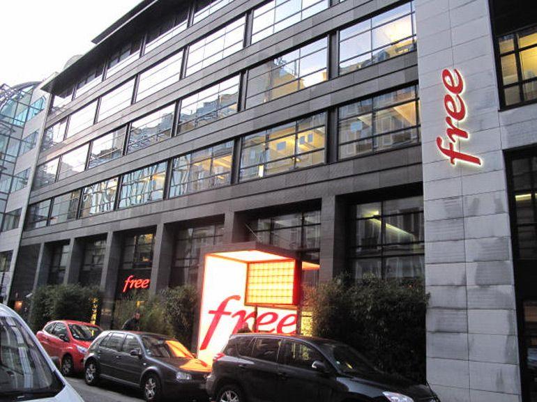 """Free rétablit le signal des chaînes du Groupe Altice en les """"piratant"""""""