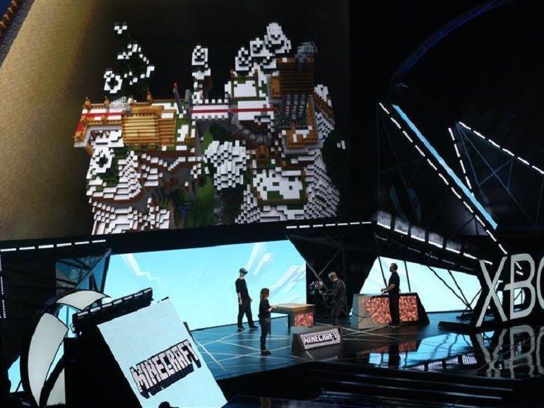 E3 : Microsoft montre ce que donne Minecraft avec des Hololens