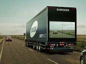 Des écrans à l'arrière des camions pour sécuriser les dépassements