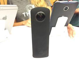 IFA 2015 : Ricoh améliore sa caméra à 360° sphérique avec la Theta S