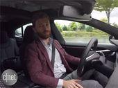 Tesla se décide à brider l'Autopilot