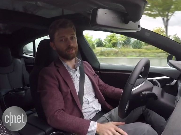 Tesla S : premier aperçu vidéo du pilotage automatique