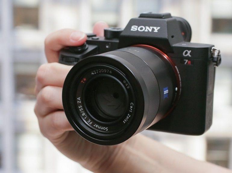 Sony Alpha 7R II (A7R II)