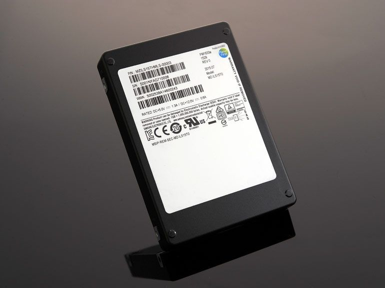 PM1633a : le disque SSD de 15,36 To de Samsung