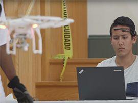 Des étudiants organisent la première course de drones pilotés par l'esprit
