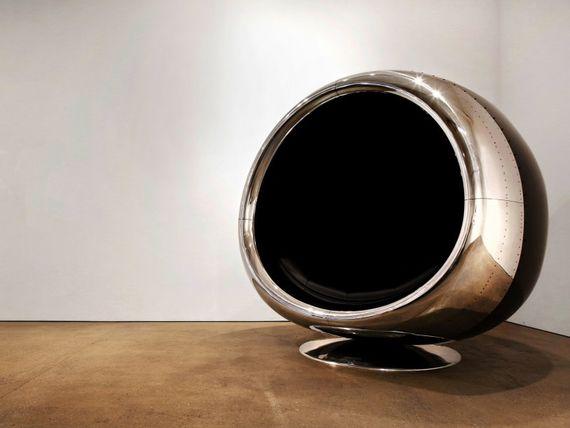 Un fauteuil fabriqué à partir d'un réacteur de Boeing