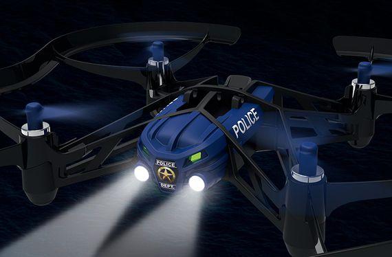Drones : la préfecture de police de Paris va s'équiper pour des missions de surveillance
