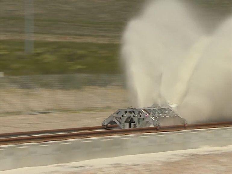 Hyperloop : premier galop d'essai du train du futur en vidéo