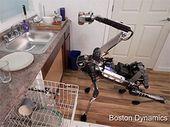Boston Dynamics SpotMini: un robot-girafe également fée du logis