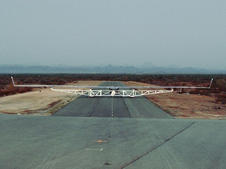 Premier vol réussi pour le drone gigantesque de Facebook, Aquila