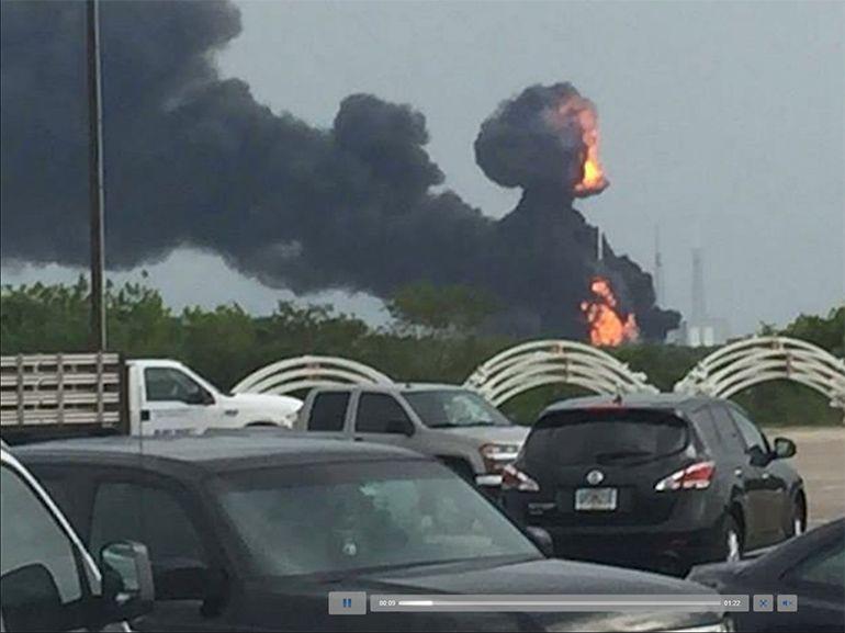 SpaceX: une fusée Falcon 9 explose sur son pas de tir en Floride