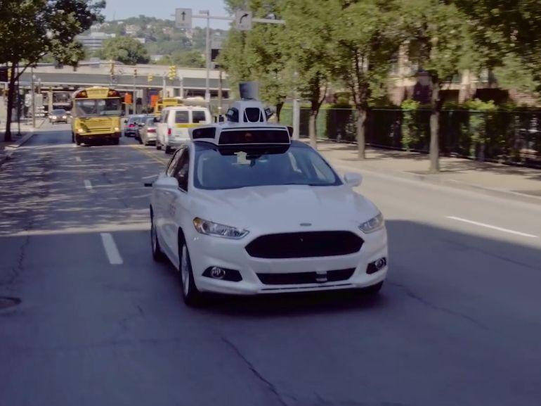 Uber lance ses premières voitures autonomes aux USA