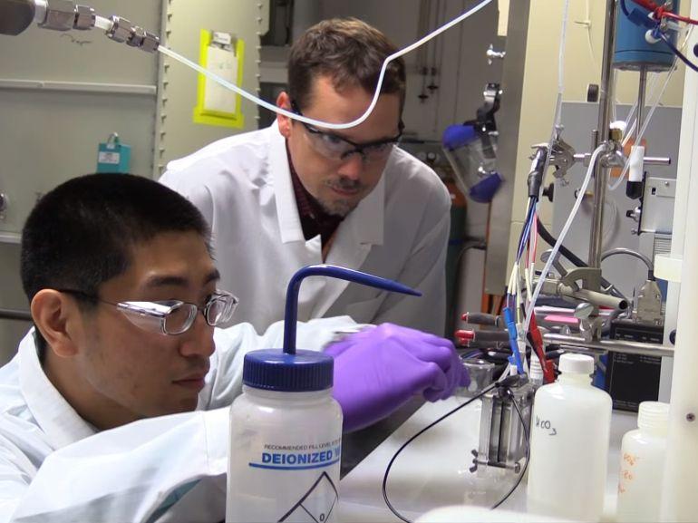 Une méthode pour convertir le CO2 en biocarburant découverte «par accident»