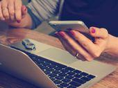 Smartphone au travail: s'en passer augmenterait la productivité de 26%