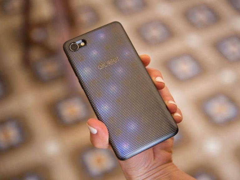 Bon plan : le smartphone Alcatel A5 LED est à 49€ au lieu de 149