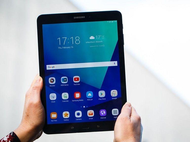 """MWC 2017 : Samsung annonce la Galaxy Tab S3 et un """"nouveau"""" Gear VR"""