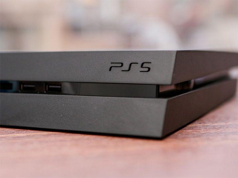 Sony PS5 : vers un cycle de vie plus court et un modèle Pro à mi-chemin