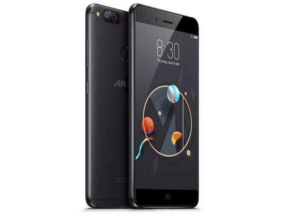 """Archos dévoile quatre nouveaux smartphones, dont un """"borderless"""" à 149 euros"""
