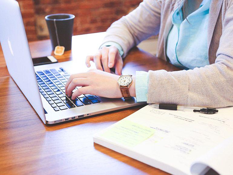 Formation en ligne : des dizaines de cours high-tech bradés à 10 euros