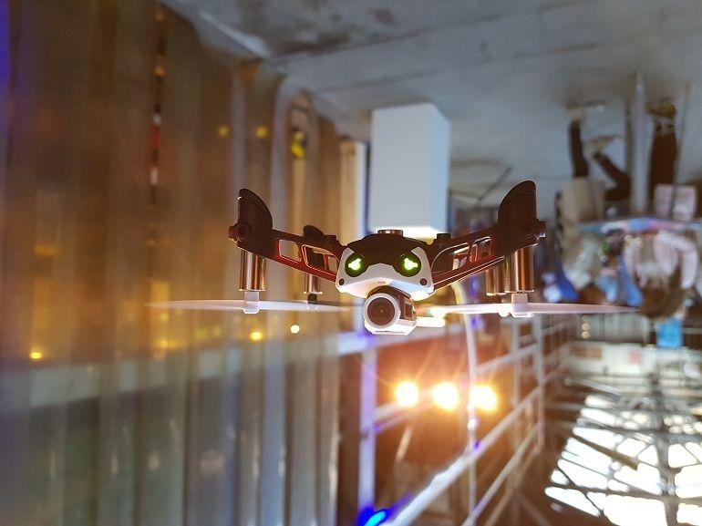 """Mambo FPV : Parrot ajoute une caméra à son MiniDrone """"racer"""""""