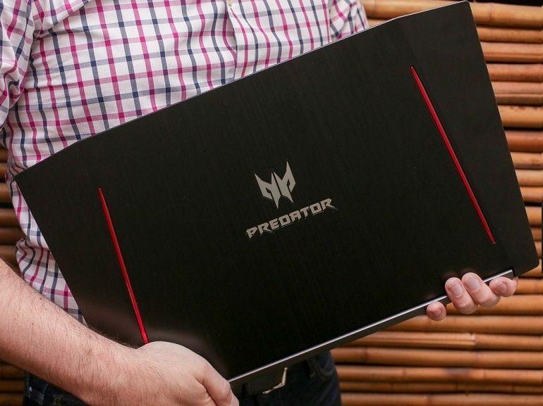 Acer Predator Helios 300 (17 pouces)