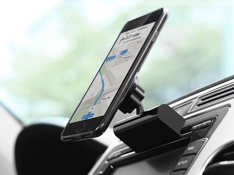 Bon plan : un support smartphone pour fente CD d'autoradio