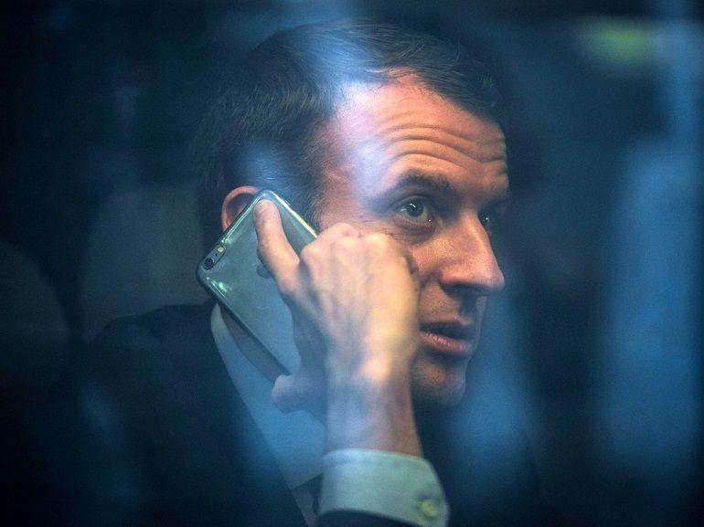 """Tim Cook soigne ses relations avec Macron avant la mise en place d'une taxe """"spéciale"""" GAFA"""