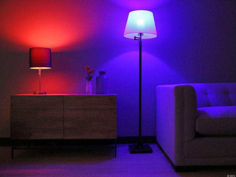 Bon plan : kit lumière connectée Philips HUE + 2 ampoules + pont + télécommande à 99€
