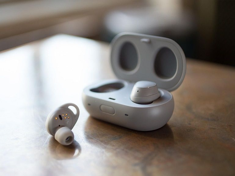 Test Samsung Gear IconX (2018) : l'alternative aux AirPods, pour ceux qui ont un Galaxy