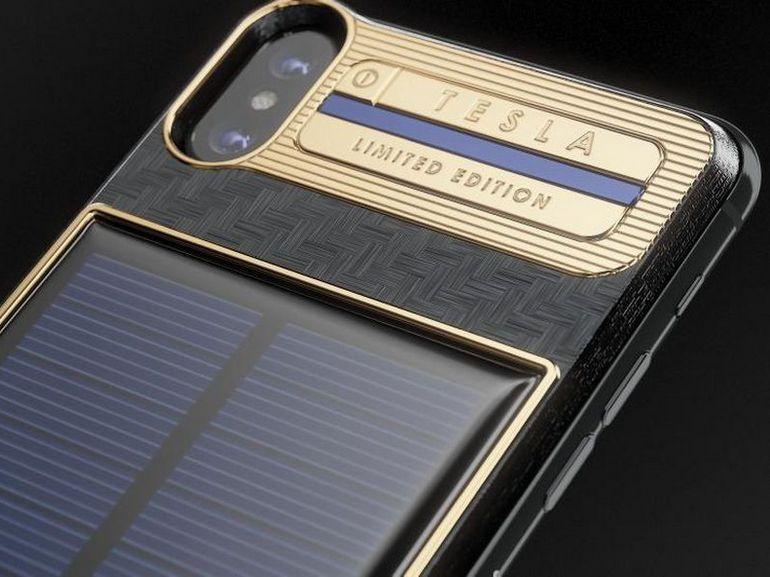 iPhone X Tesla : une coque si délirante qu'elle est livrée avec son propre téléphone