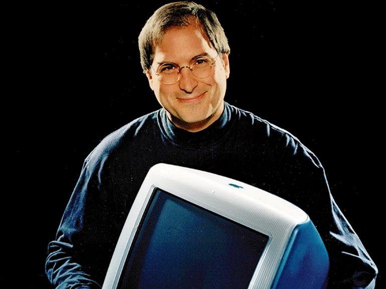 Tim Cook rend hommage à Steve Jobs pour les 20 ans du premier iMac