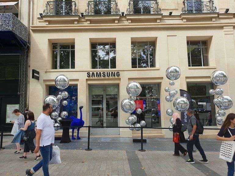 Samsung ouvre un Showroom plein de surprises sur les Champs-Élysées