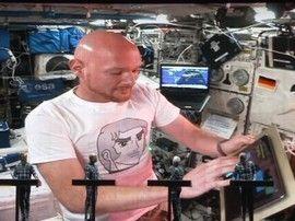 Un astronaute mixe en live avec Kraftwerk depuis la Station spatiale internationale