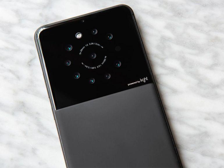 Light : un smartphone à 9 capteurs photo dans les tuyaux