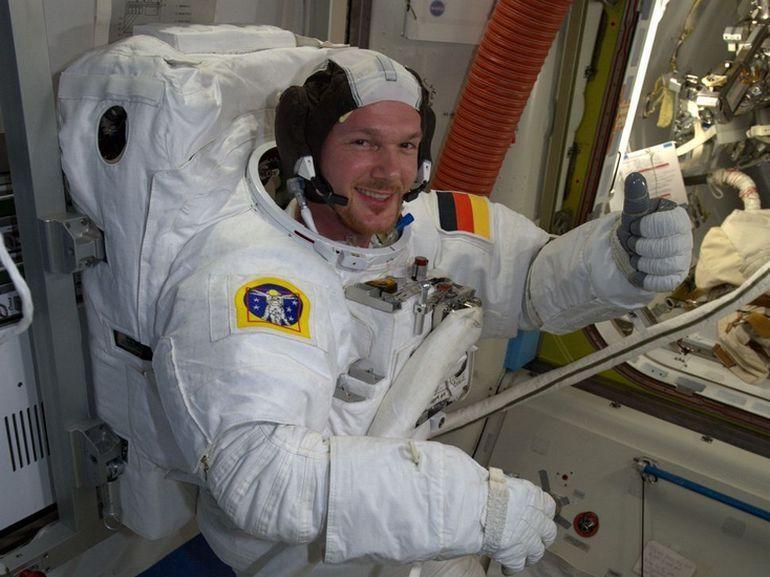 ISS : un astronaute découvre un trou dans la station spatiale et le bouche avec son pouce